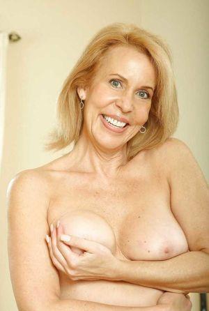 Mature Beauty - Erica Lauren - Pics -..