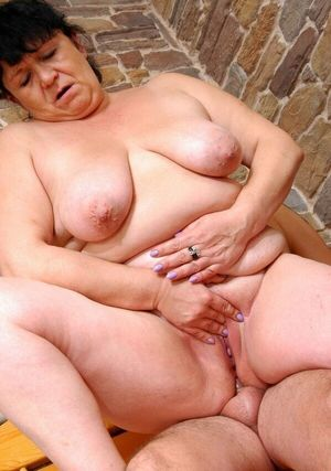 Mom loves anal,Mature Women..