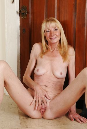 Mature Spreads - Pics - xHamster