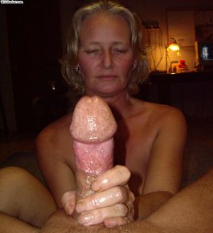 Slutty mature amateurs with cocks in..