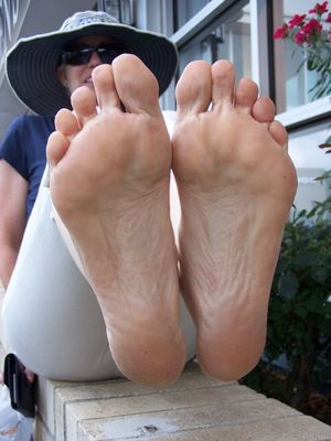 Amateur Random Feet 22 High Definition..