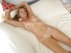 Milf wife exposed nude - Pics - xHamster