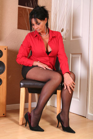 Mature nylon and heels pictures -..