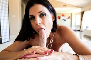 India Summer getting loads of spearm..
