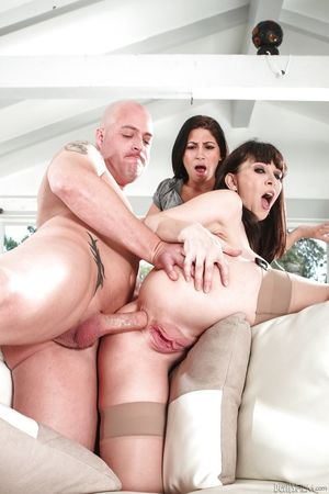 Cheating busty brunette RayVeness..