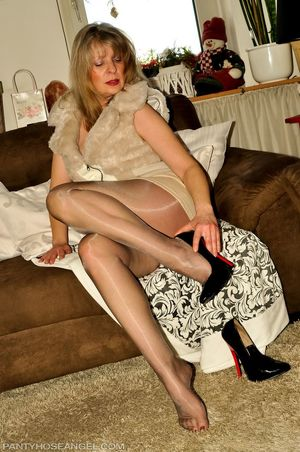 Mature Angel in glossy pantyhose (7)..