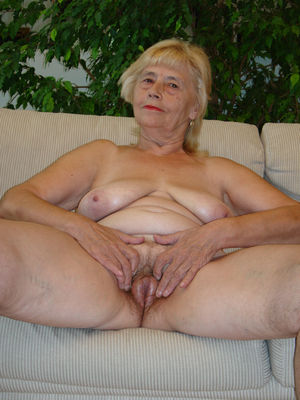 Very old naked woman - Other