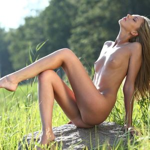 Nudist Girls Pics - Mobile Friendly..