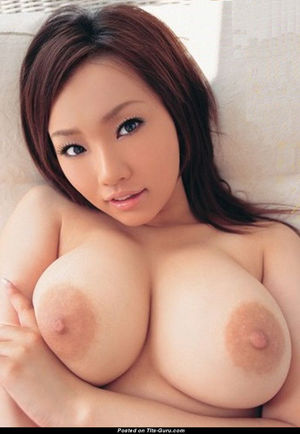 Topless Asian Babe with Open Natural..