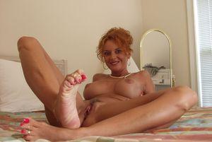 Janet Mason Sexy Feet - PornHugo