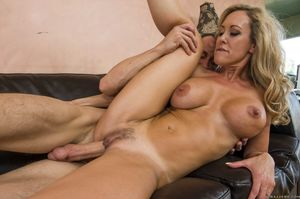 Brandi Love sexy MILF screams..