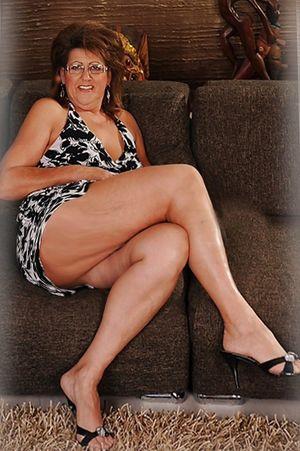 Beautiful leggy mature anybody know..