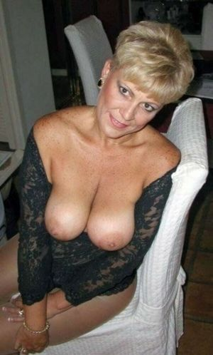 Sexy milf ex gfs posing for pictures..
