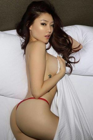 Sultry and Sexy Asian Girls - Barnorama