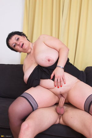 BBW with bg tits fooling around with..