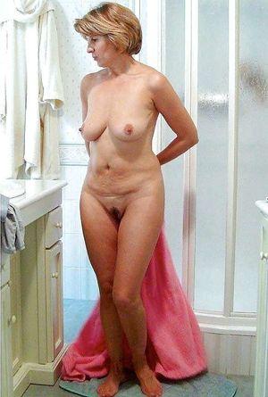 Attractive mature ladies posing nude -..