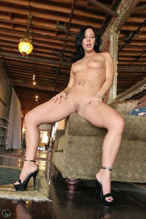 Julie night bondage model - Porn tube