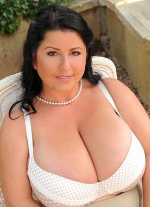 Beautiful mature fatty Natalie Fiore..