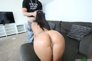 big-wet-booty-of-gianna-nicole..