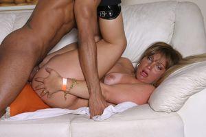 Sexy tranny with big titties Dayane..