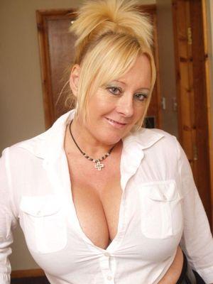 Becki Mature UK Blonde 04 upskirtporn