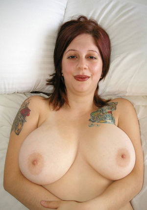 Big boobs mature watch - Random Photo..