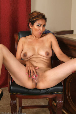 Latina Latino Mature Jessie High..