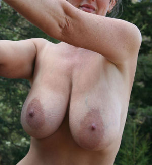 Mature amateur boobs post - Nude pics