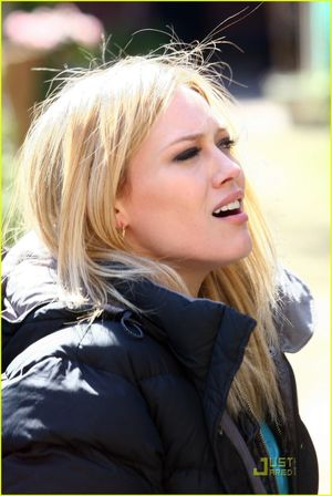 Full Sized Photo of hilary duff svu..
