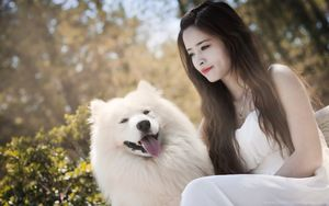 Beautiful Lady With Her Dog Uhd..