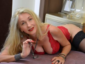 LadyLea - MILF - 49 years old
