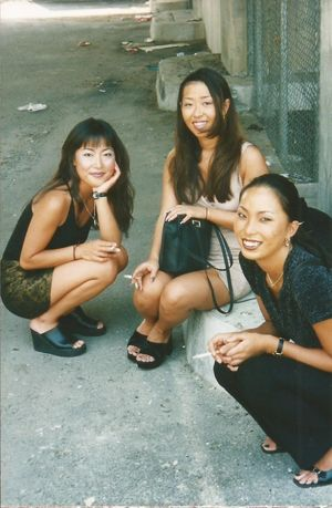 Asian-American ladies Three young..