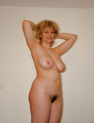 Milf with big tits Photo
