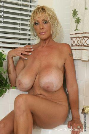 Big beautiful mature nudes