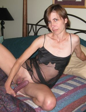Cougars and MILFs upskirtporn
