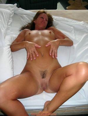 Sex HD MOBILE Pics Check My Milf..