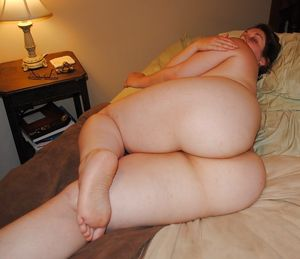 BIG Round & FAT Asses on the Bed!  -..
