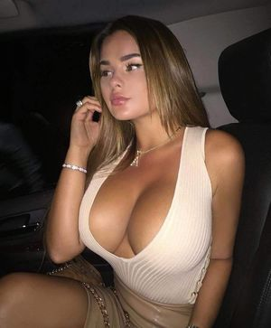 Sexy Girls in Sexy Dresses - Simply..