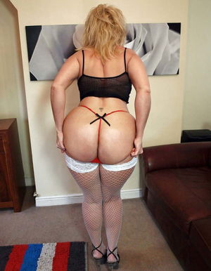 Daniella Mature Amateur Big Ass..