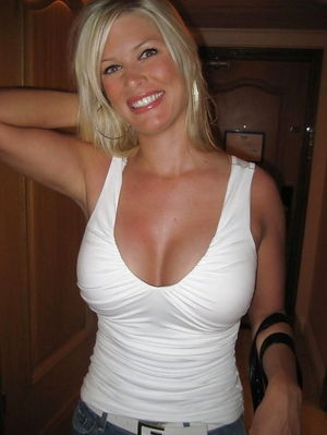 Sexy Girls in white t-shirts (some..