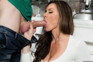 Gorgeous MILF Kendra Lust fucking her..