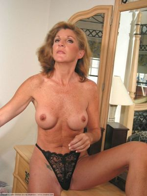 Mature woman lady nude