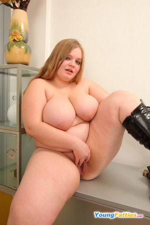 Very stacked fat teen lets fingers..