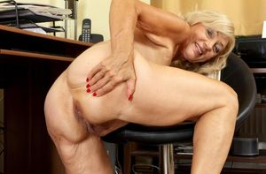 Kam In Gallery Beautiful Blonde Granny..