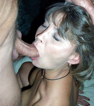 MILFS and Wives Love to SUCK - Pics -..