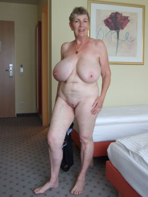 Granny with big boobs - PornHugo
