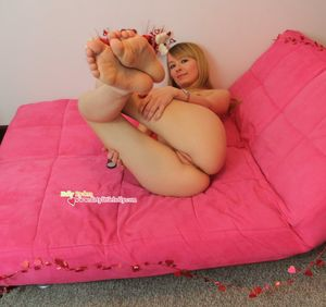 Holly Rydem - Valentines Day at HQ Babes
