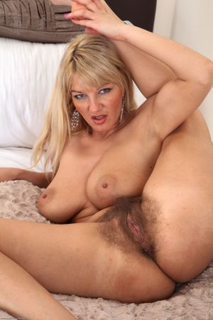 Naked Women Over Hairy Pussy Xwetpics..