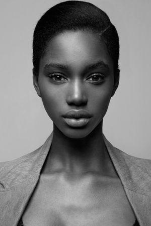 Tara Falla METRO Models