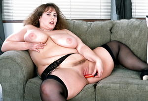 Mature BBWs In Stockings - Pics -..